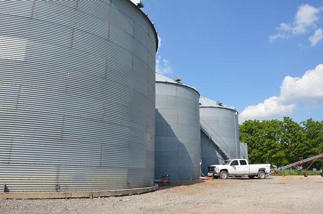 Nine Essential Grain Bin Safety Guidelines - AgWeb