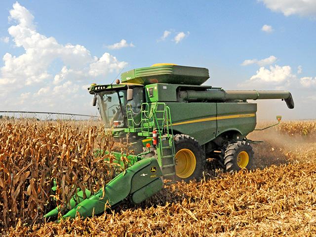 The Corn Head Sets the Pace - AgWeb