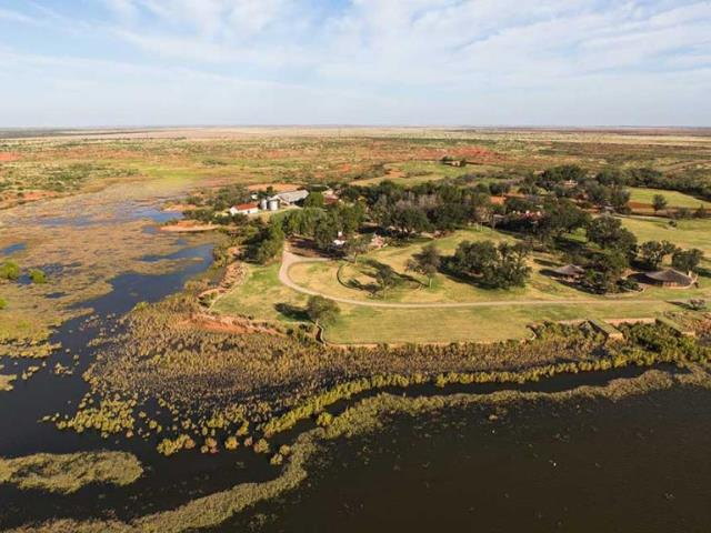 NFL Owner Stan Kroenke Buys Texas Mega-Ranch Listed for $725 ...