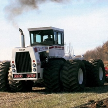 110513  ClassicTractorFever 1981BigBud525 50