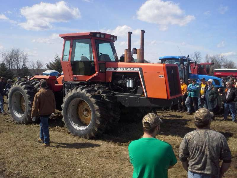 Allis Chalmers Tractor Sold for Record Price Saturday