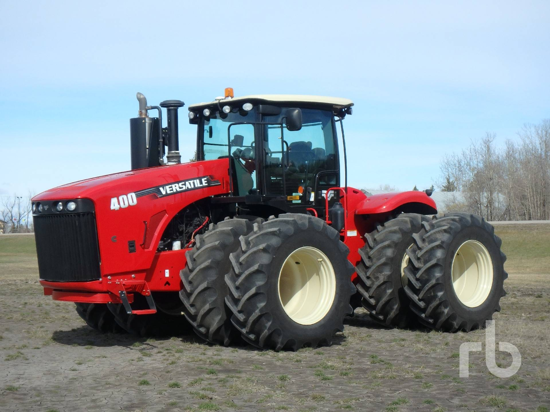 Versatile 400 sold on SK Auction